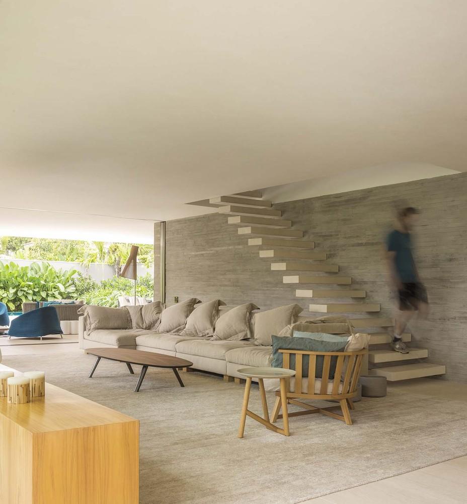 the-tree-mag-white-house-by-studio-mk27-marcio-kogan-eduardo-chalabi-190.jpg