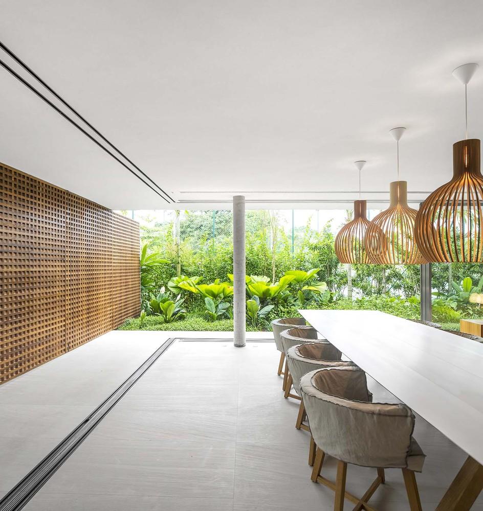 the-tree-mag-white-house-by-studio-mk27-marcio-kogan-eduardo-chalabi-270.jpg