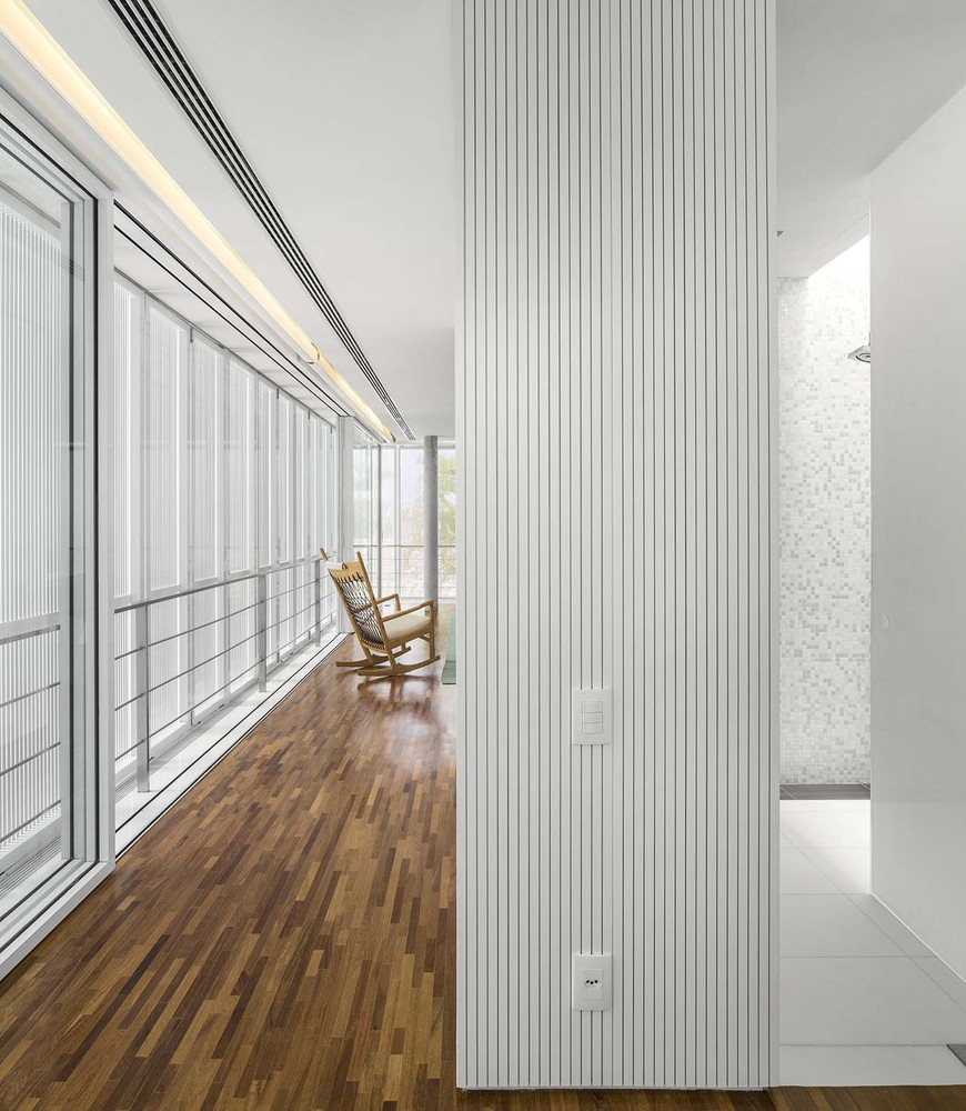 the-tree-mag-white-house-by-studio-mk27-marcio-kogan-eduardo-chalabi-310.jpg