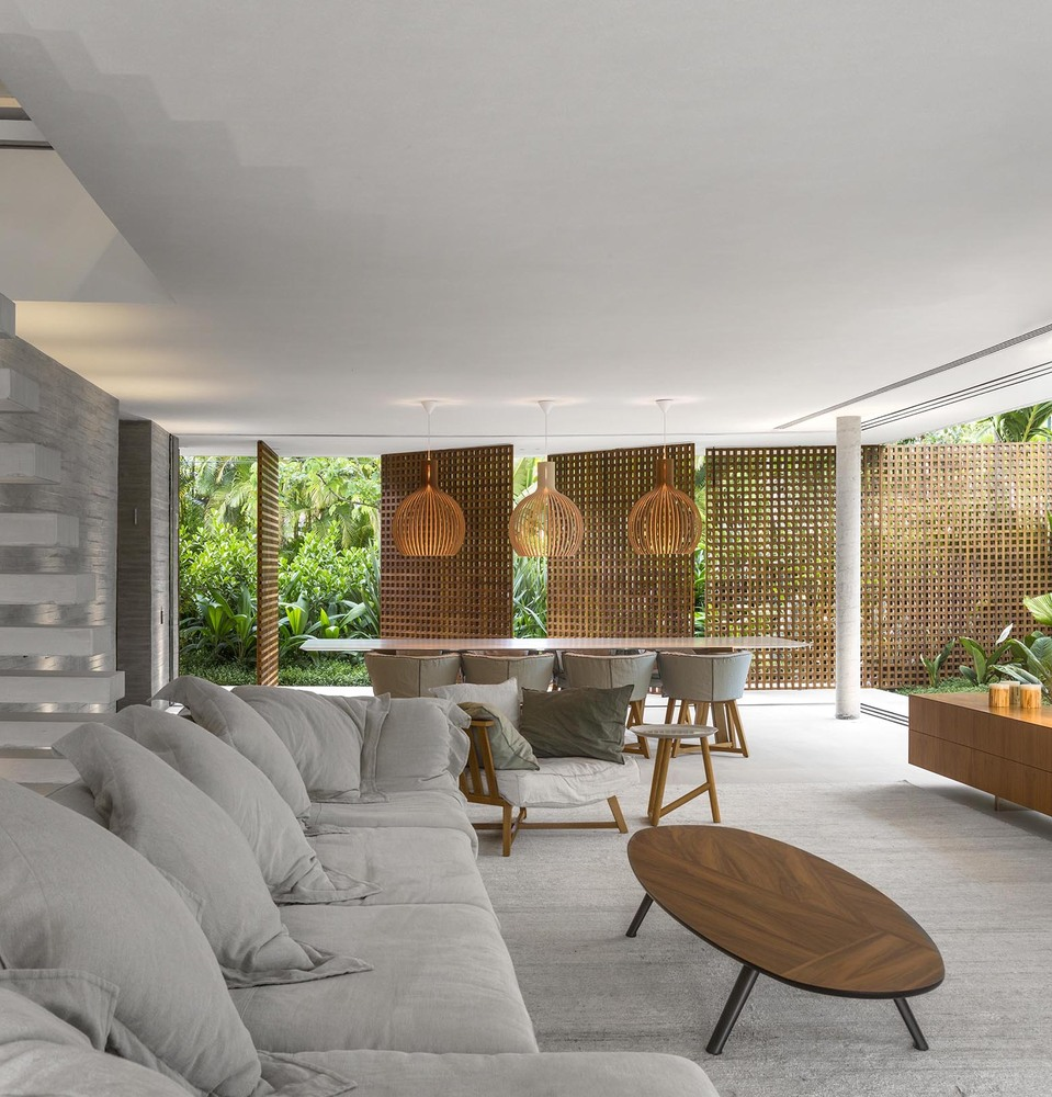 the-tree-mag-white-house-by-studio-mk27-marcio-kogan-eduardo-chalabi-320.jpg