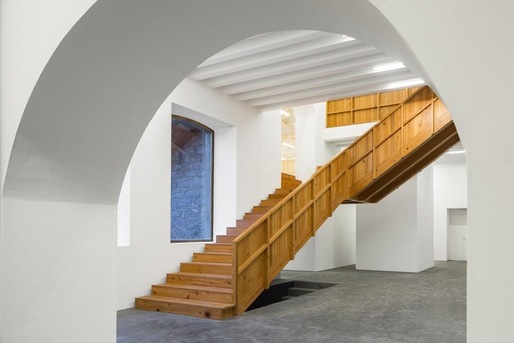 the-tree-mag-arts-centre-by-menos-mais-arquitectos-joo-mendes-ribeiro-40.jpg