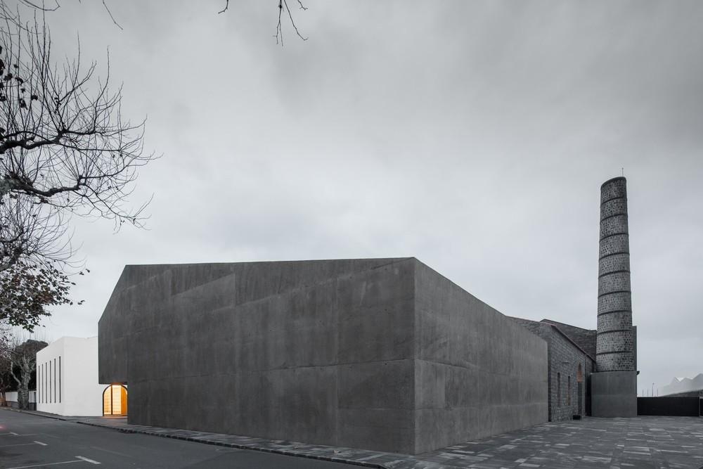 the-tree-mag-arts-centre-by-menos-mais-arquitectos-joo-mendes-ribeiro-70.jpg