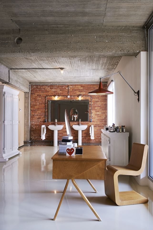 the-tree-mag-a-loft-in-antwerp-by-studio-job-80.jpg