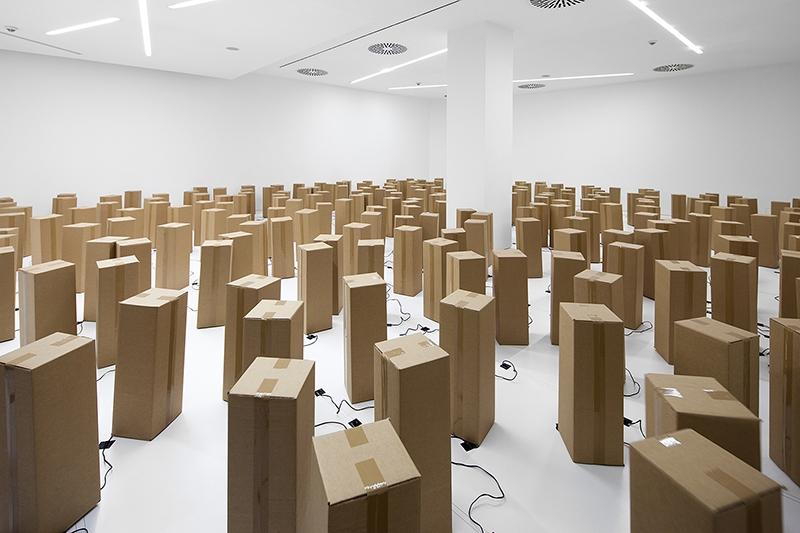 the-tree-mag-240-prepared-dc-motors-cardboard-boxes-60x20x20cm-by-zimoun-10.jpg