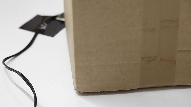 the-tree-mag-240-prepared-dc-motors-cardboard-boxes-60x20x20cm-by-zimoun-40.jpg