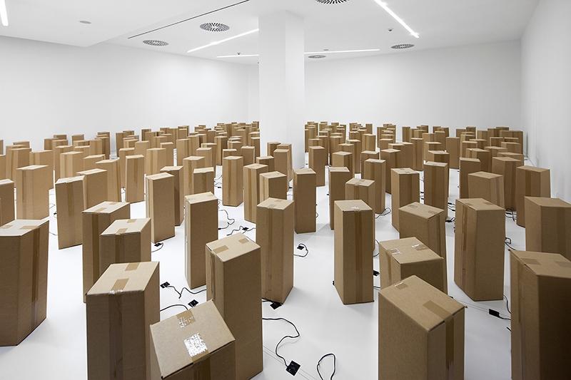 the-tree-mag-240-prepared-dc-motors-cardboard-boxes-60x20x20cm-by-zimoun-50.jpg