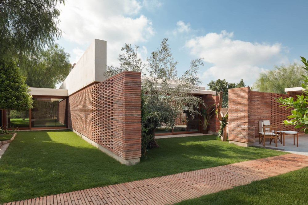the-tree-mag-iv-house-by-mesura-20.jpg