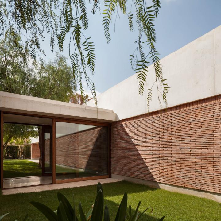 the-tree-mag-iv-house-by-mesura-80.jpg