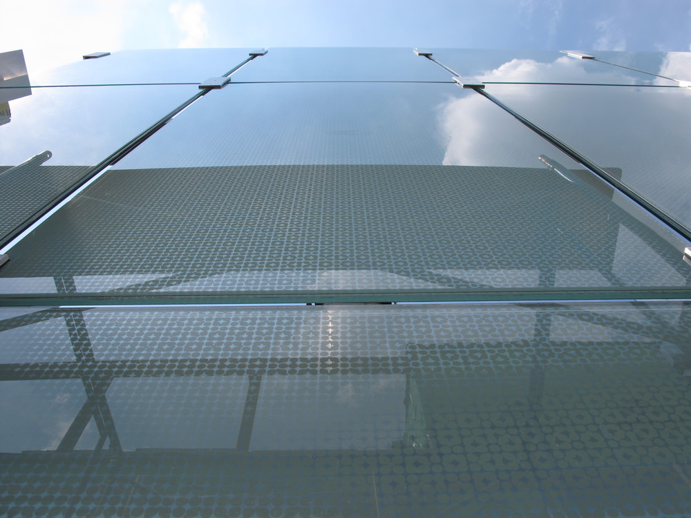 Glass Screen at 5th Level Terrace