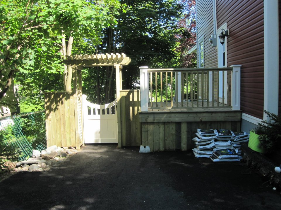 Step and Arbour.jpg