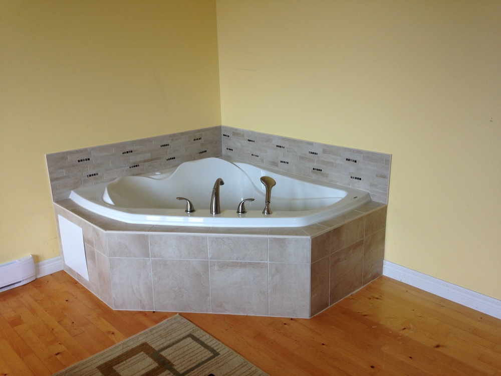 Jetted tub installed in master suite