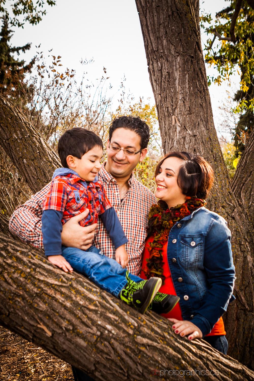 yaghi-family-0028-lr-db.jpg
