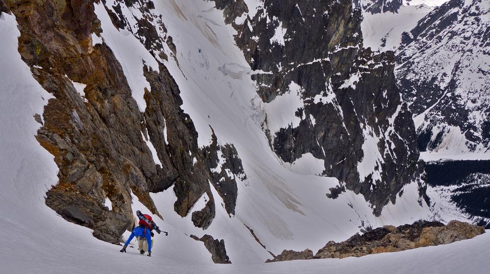 Climbing toward Dead End Pass.