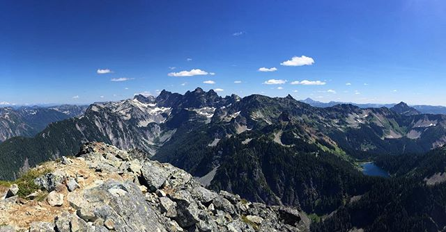 Today I took a solitary jaunt, running up the PCT to Bumblebee Pass and on to the West ridge of Mount Thomson. This place!