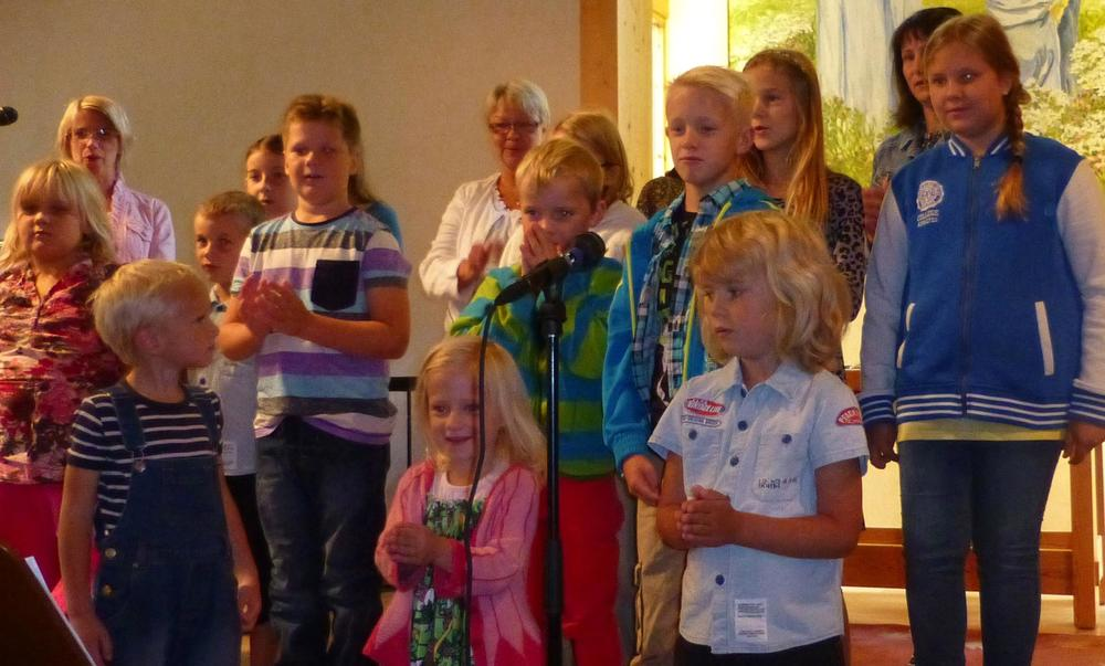 Söndagsskolbarnen sjöng.JPG