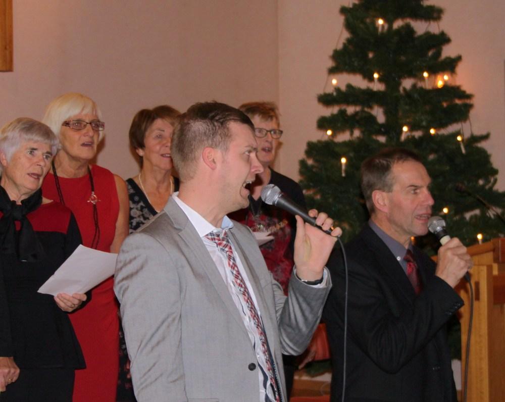 Josef Tingbratt och Gunno Marinder sjöng tilsammans med kören.JPG