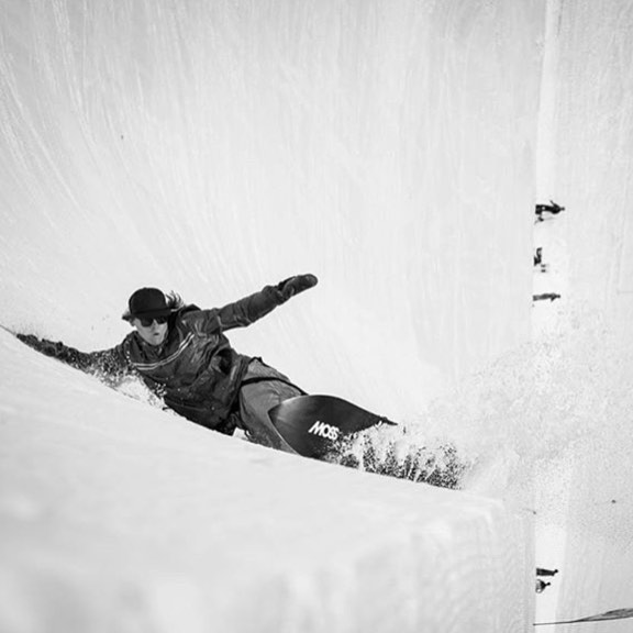 Come out and see @messymessi ripping in Japan at the Board The World Film Festival! THIS FRIDAY! DECEMBER 8th @tahoearthaus 5:30 & 8 | link in profile for tix | @moss_snowstick_japan @moss_snowstick_north_america photo: @gpmartinphoto