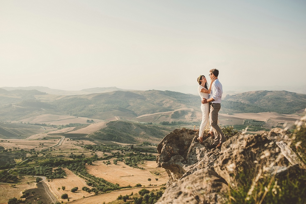 Wedding Photography Carly Romeo Photography Richmond VA Aidone Sicily Italy Landscape Hike Cliff Kiss Couple Elopement