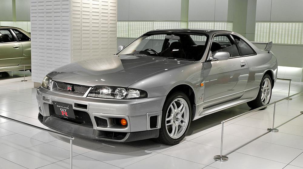 Nissan_Skyline_R33_GT-R_001.jpg
