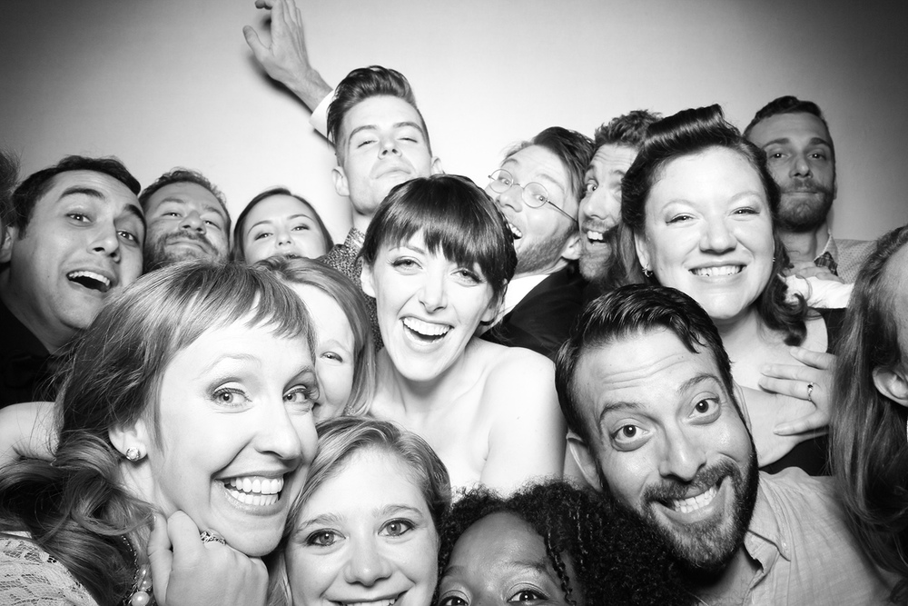 Elegant_Chicago_Wedding_Photo_Booth_Rental.jpg