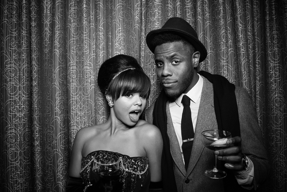 Vintge_Holiday_Party_Photo_Booth_Chicago_Gatsby_20s_Theme.jpg