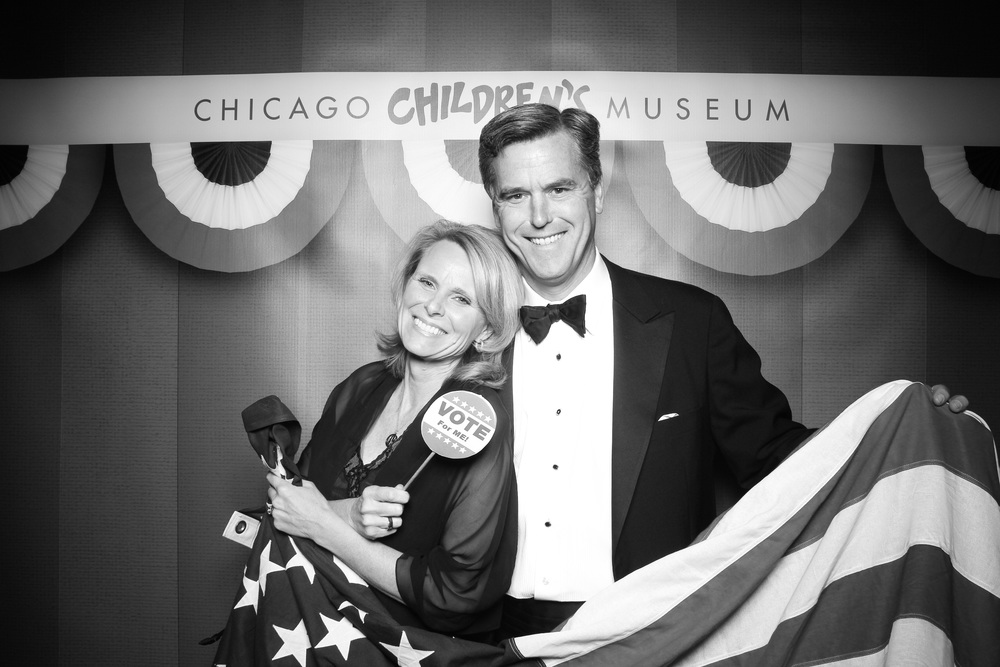 A couple pose for a Fotio portrait at the Navy Pier Grand Ballroom for Chicago Children's Museum Charity Gala.