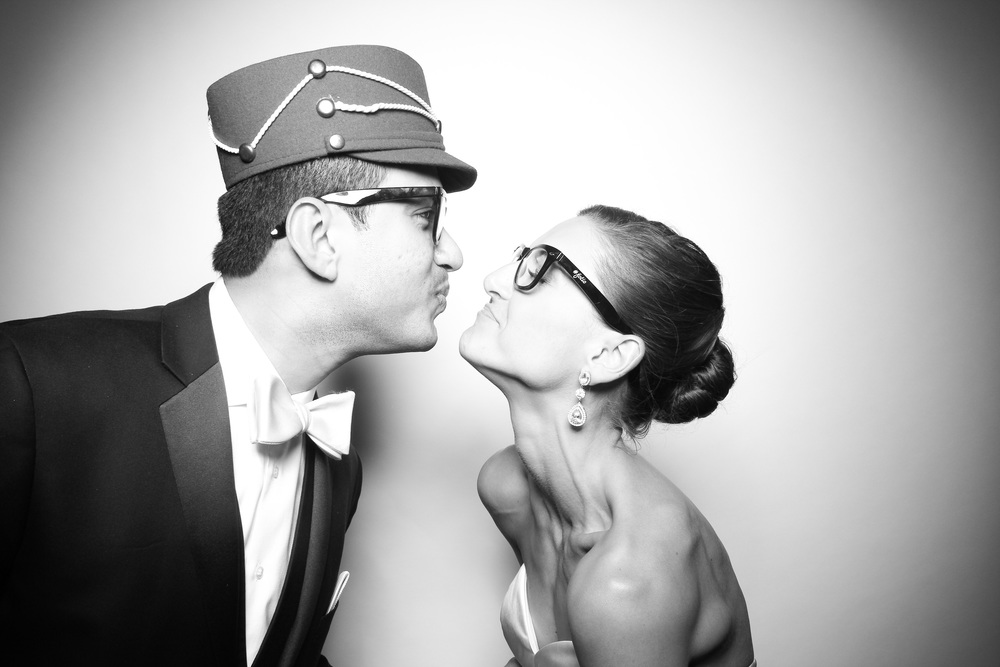 Love this vintage photo booth prop hat! This was captured at the Oak Brook Bath and Tennis Club.