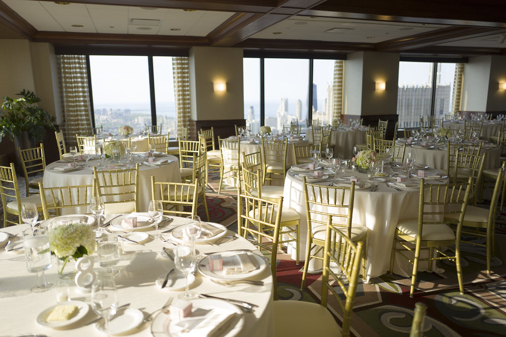 Beautiful set wedding tables at the Metropolitan Club Chicago.
