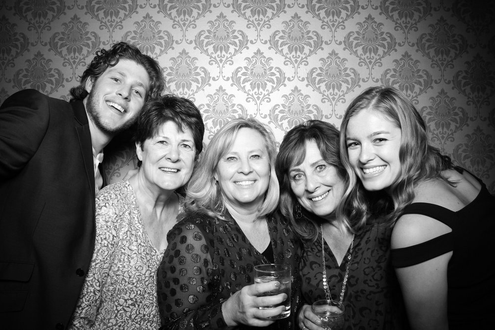 Stan_Mansion_Wedding_1920s_Photo_Booth_Logan_Square_Venue_23.jpg
