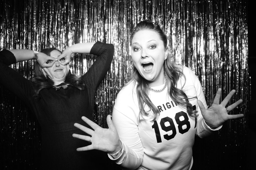 30th_Birthday_Party_Photo_Booth_Chicago_004.jpg