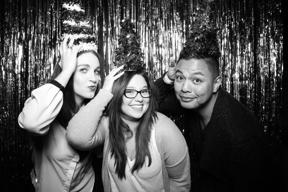 30th_Birthday_Party_Photo_Booth_Chicago_012.jpg