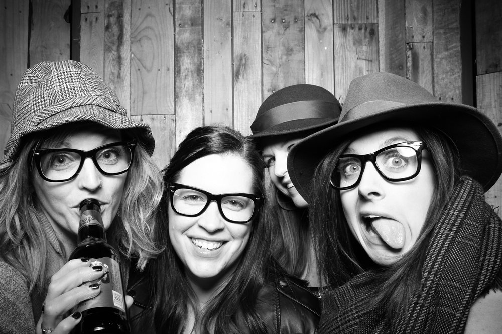 Peoria_Illinois_Photo_Booth_Company_Warehouse_on_State_Wedding_014.jpg
