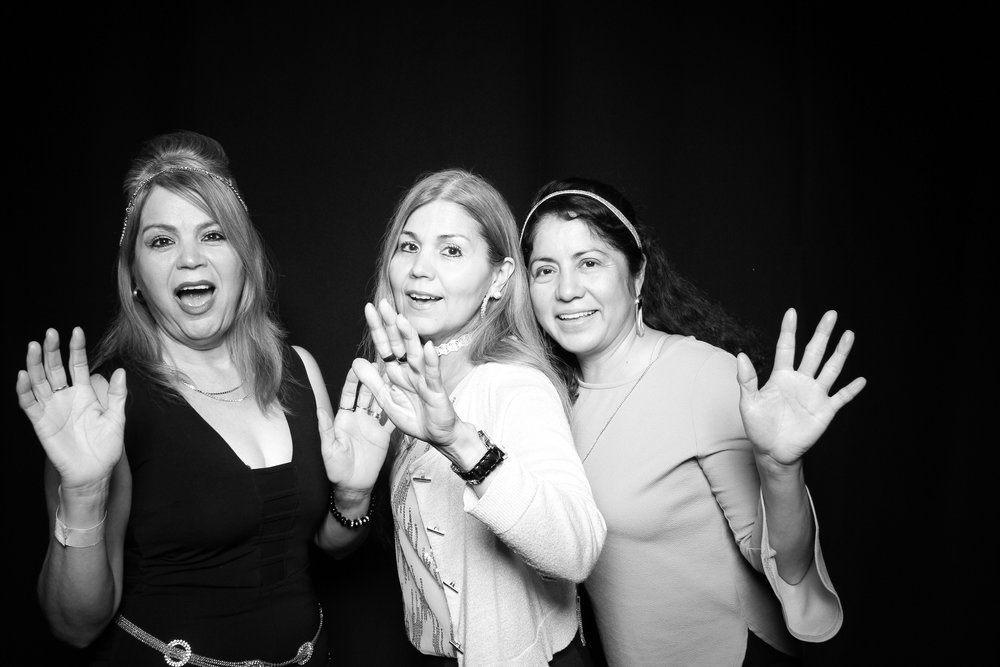 Black_And_White_Kardashian_Photo_Booth_Chicago_02.jpg