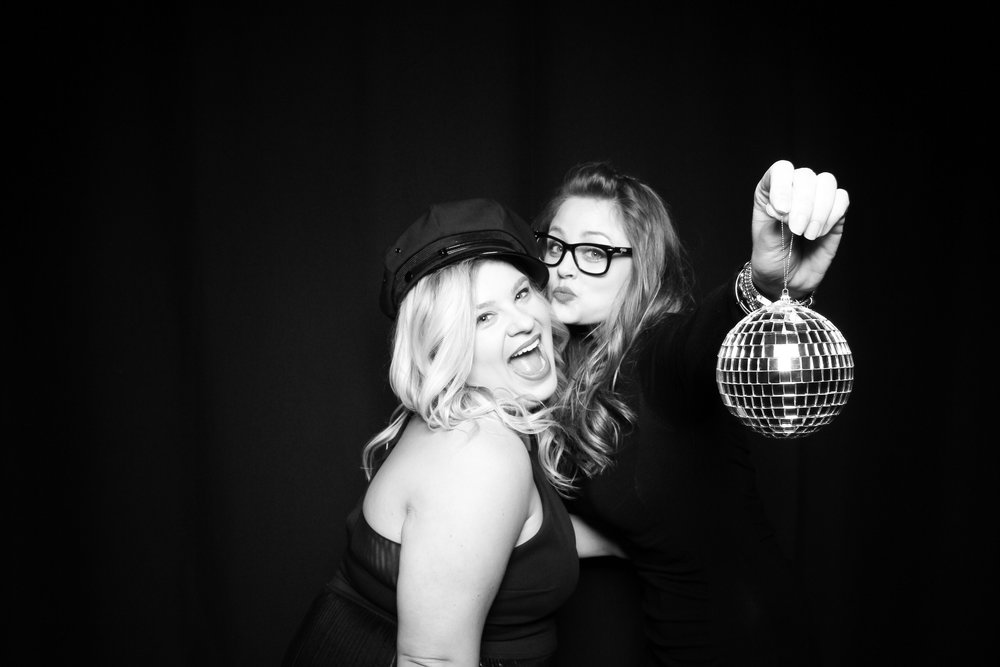 Black_And_White_Kardashian_Photo_Booth_Chicago_13.jpg