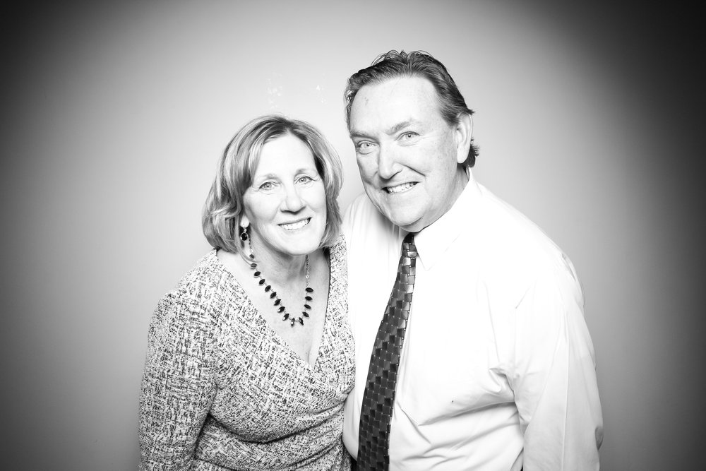 Bridgeport_Art_Center_Vintage_Wedding_Photo_Booth_07.jpg