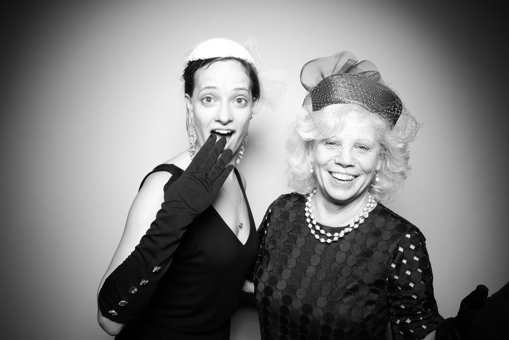 Bridgeport_Art_Center_Vintage_Wedding_Photo_Booth_19.jpg