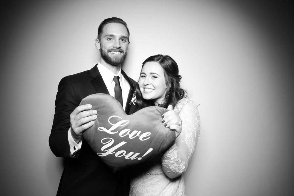 Bridgeport_Art_Center_Vintage_Wedding_Photo_Booth_25.jpg