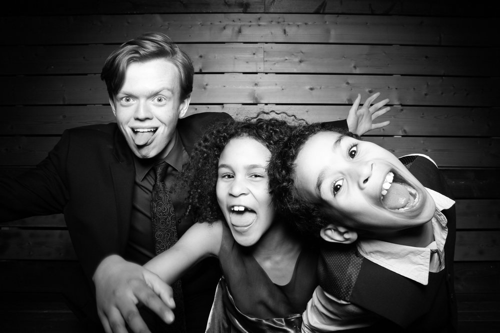 Lacuna_Artist_Lofts_Wedding_Photo_Booth_Reverie_Gallery_Chicago_Pilsen_Event_01.jpg