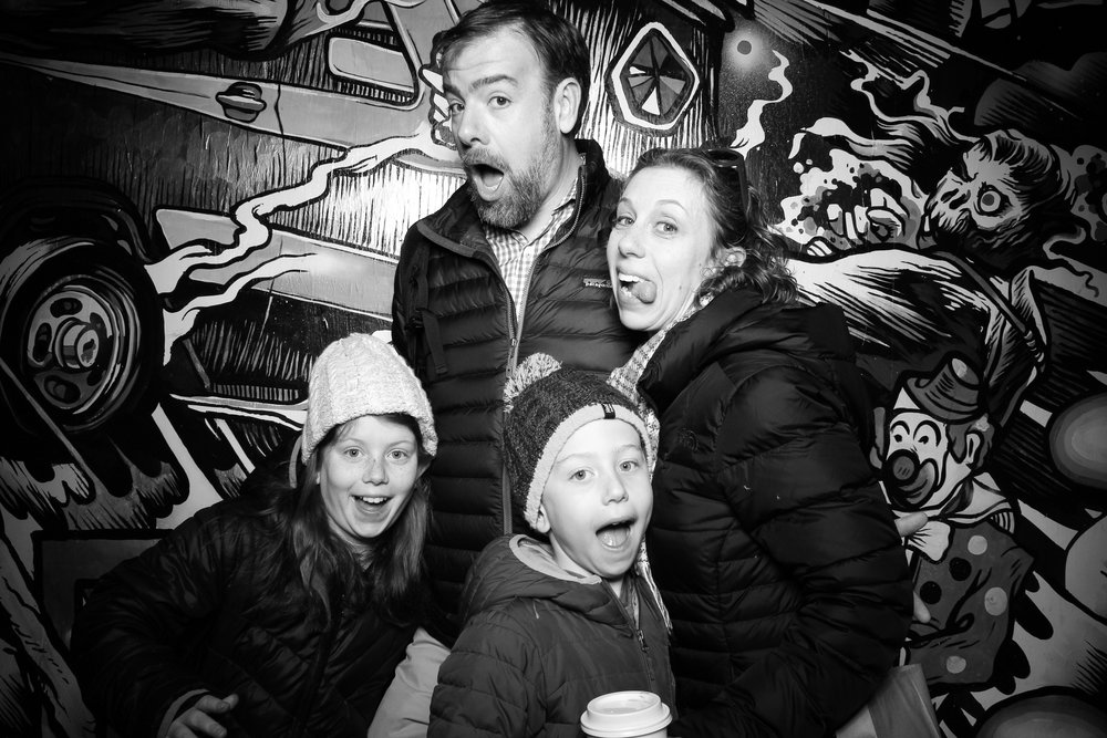 Easter_Bunny_Photo_Booth_Chicago_Logan_Square_Farmers_Market_03.jpg