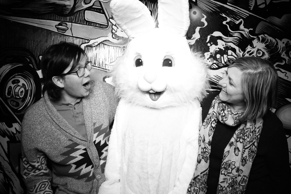 Easter_Bunny_Photo_Booth_Chicago_Logan_Square_Farmers_Market_05.jpg