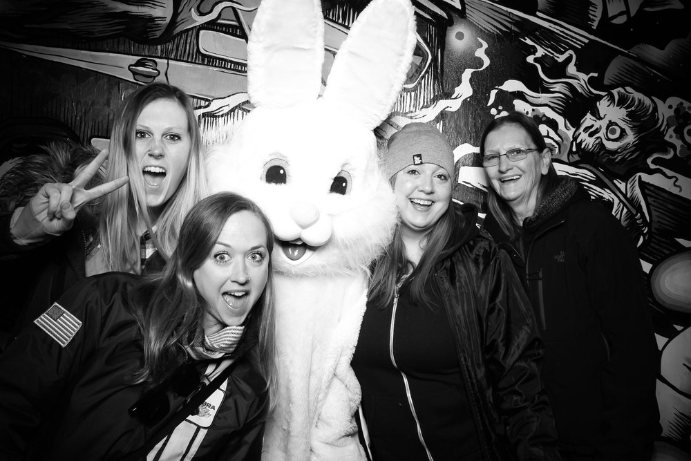 Easter_Bunny_Photo_Booth_Chicago_Logan_Square_Farmers_Market_06.jpg