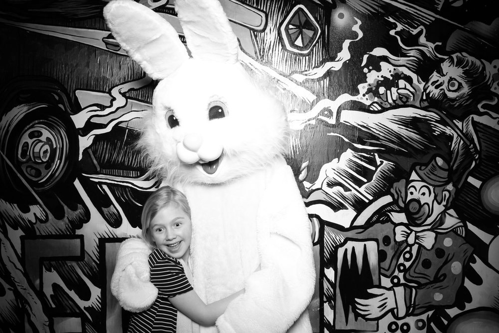 Easter_Bunny_Photo_Booth_Chicago_Logan_Square_Farmers_Market_08.jpg