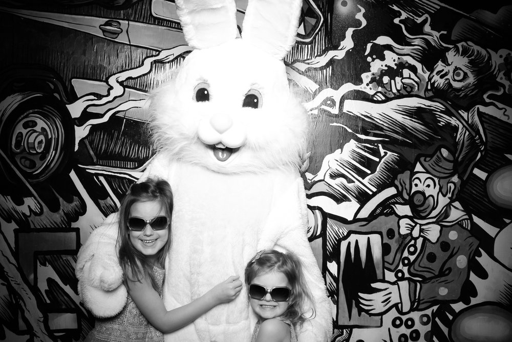 Easter_Bunny_Photo_Booth_Chicago_Logan_Square_Farmers_Market_14.jpg