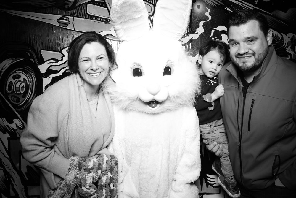 Easter_Bunny_Photo_Booth_Chicago_Logan_Square_Farmers_Market_12.jpg