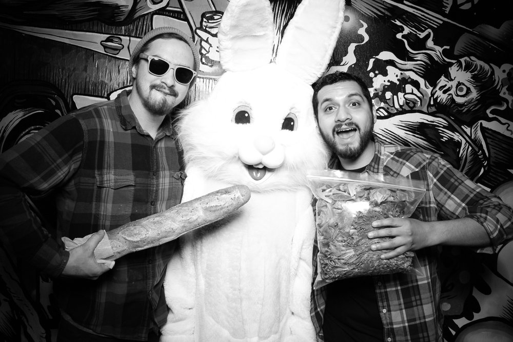 Easter_Bunny_Photo_Booth_Chicago_Logan_Square_Farmers_Market_15.jpg