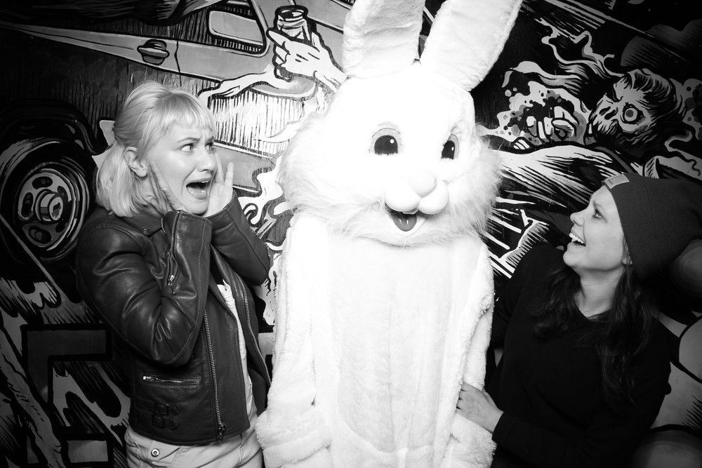 Easter_Bunny_Photo_Booth_Chicago_Logan_Square_Farmers_Market_18.jpg
