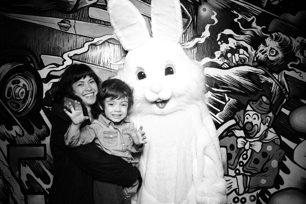 Easter_Bunny_Photo_Booth_Chicago_Logan_Square_Farmers_Market_24.jpg