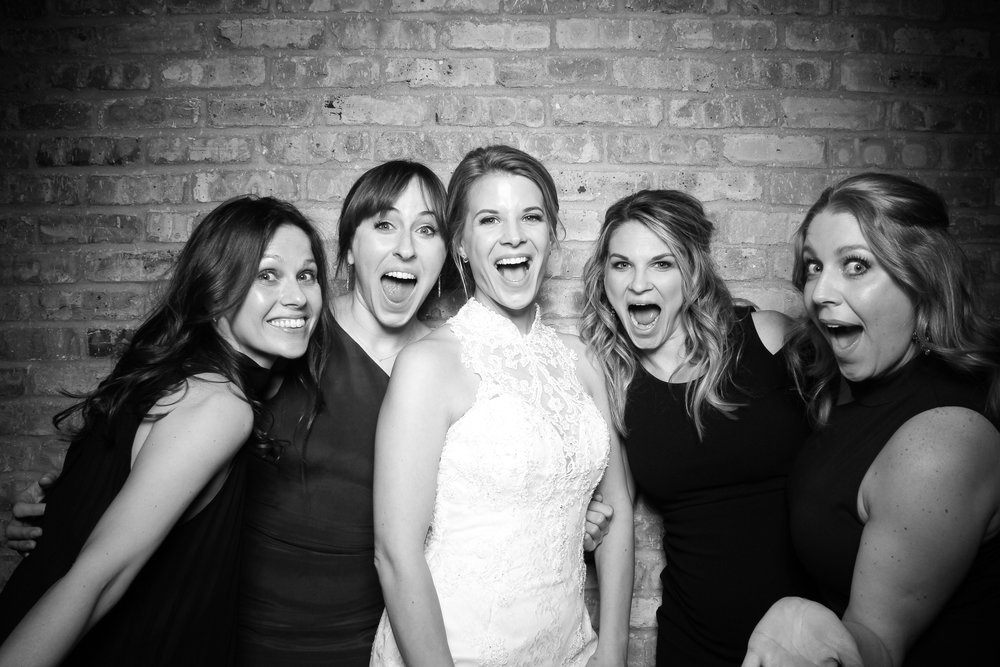 Loft_Lucia_Wedding_Photo_Booth_West_Loop_09.jpg