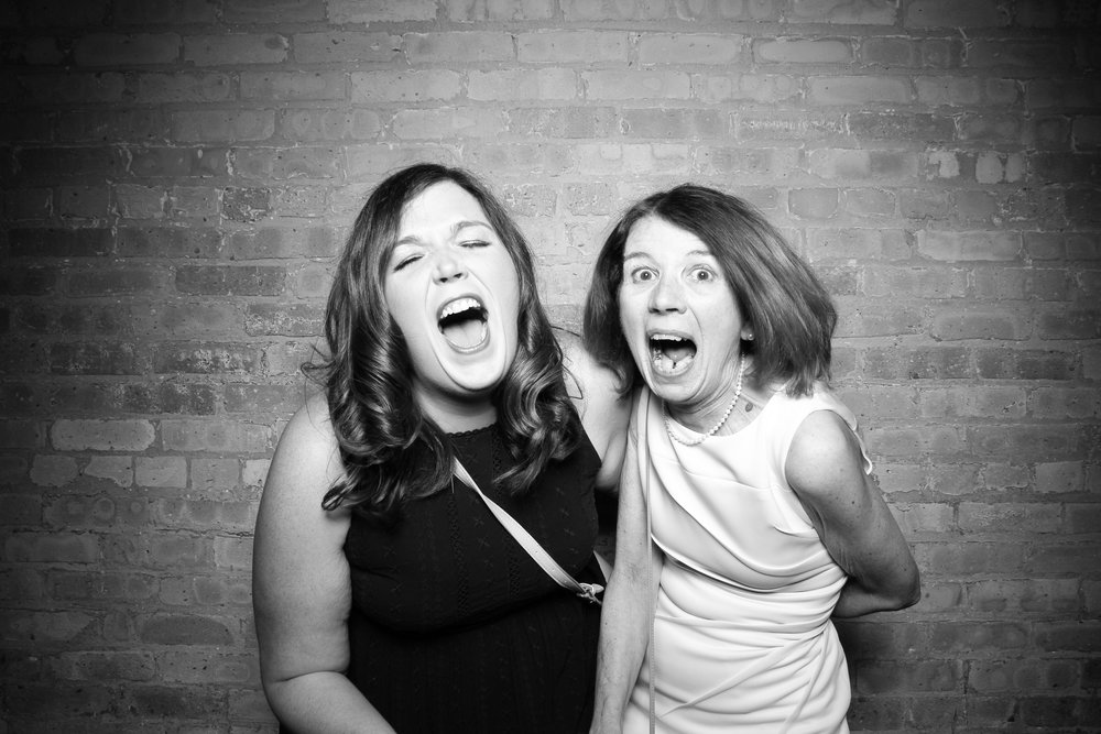 Bridgeport_Art_Center_Wedding_Skyline_Loft_Photo_Booth_01.jpg