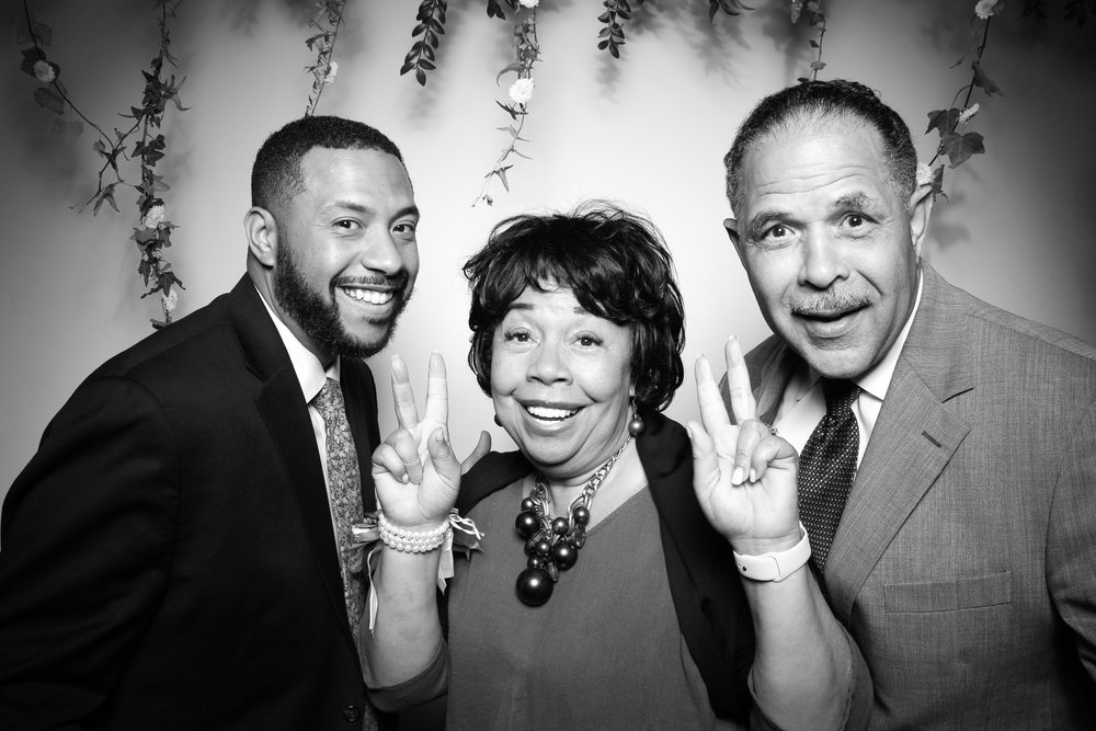 Chez_Chicago_Wedding_Reception_Photo_Booth07.jpg